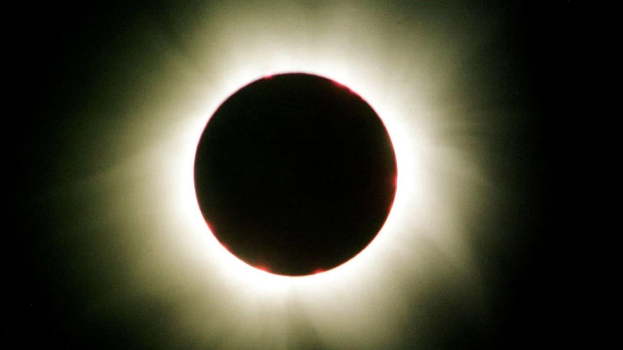 11 de agosto de 1999: así es como la gente vio el último eclipse solar total en nuestras latitudes en Backnang, cerca de Stuttgart.